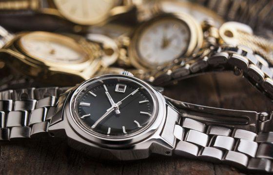 effacer les rayures sur une montre